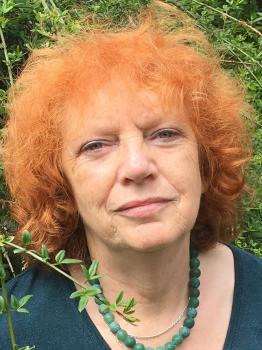 Frau Dora Pfeifer-Suger